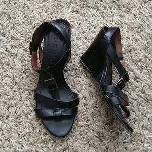 Burberry black leather buckle t strap wedge sandal